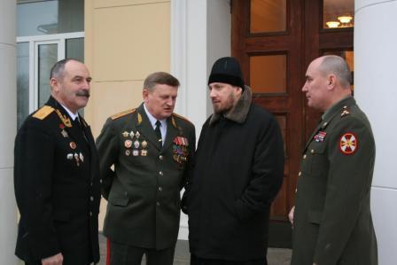Взаимодействуем с православием, помогаем воинству
